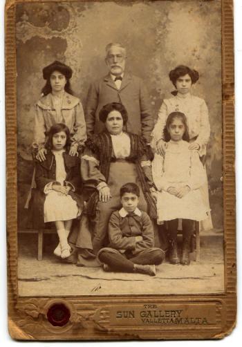 aline_family